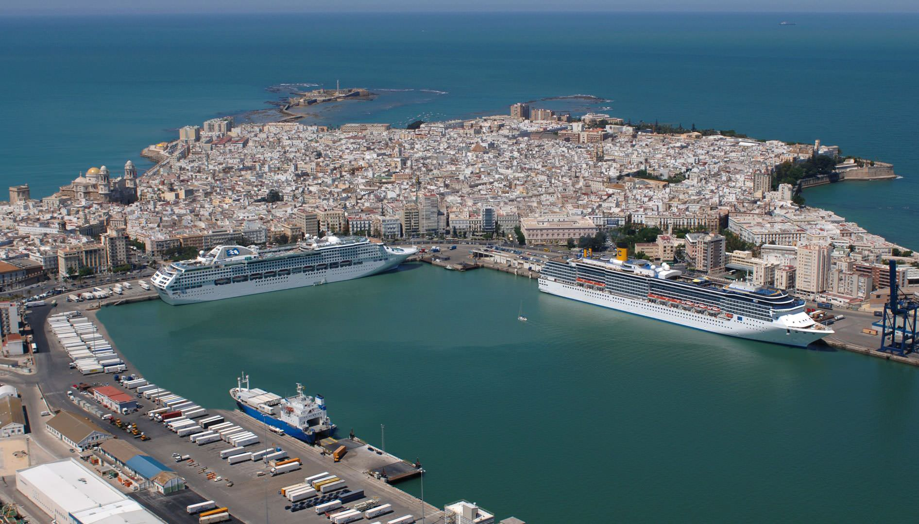 Aerial view Port of Cádiz.